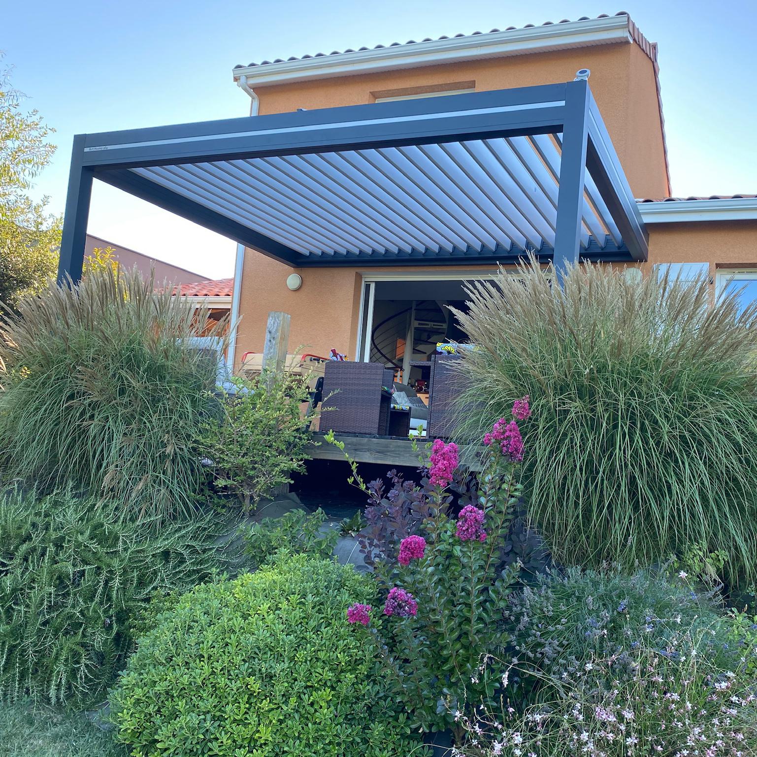 Pergola bioclimatique Sublimétal, ferronnier et métallier Toulouse