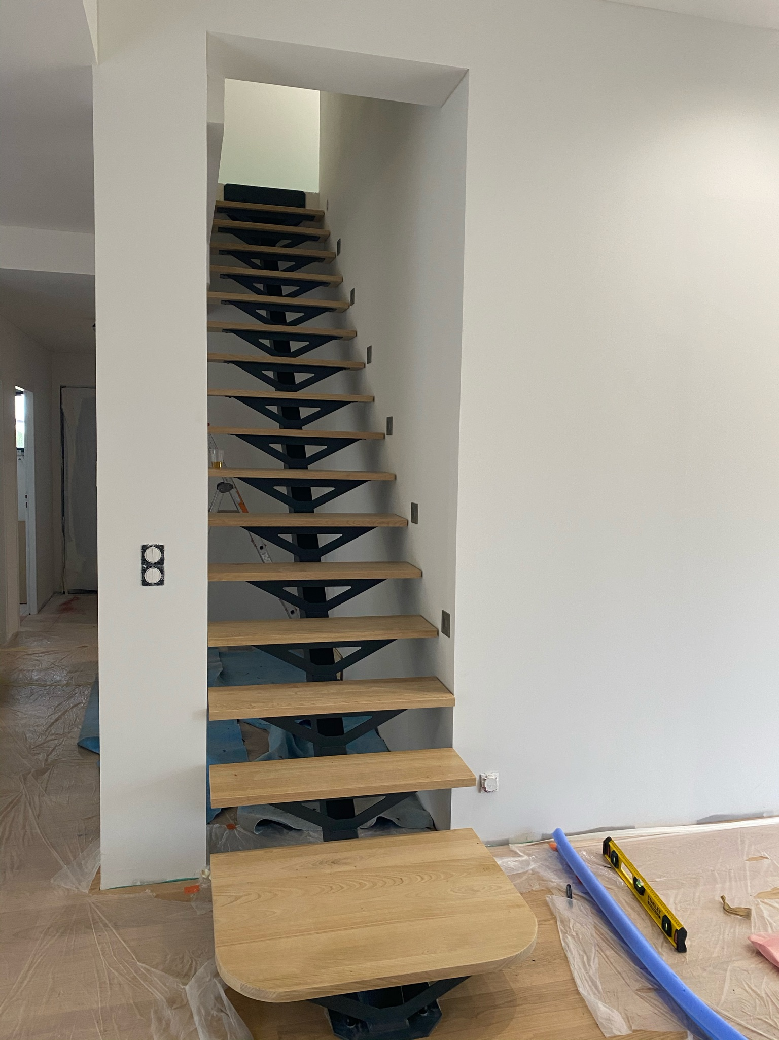 escalier structure métal et marche bois, Sublimétal